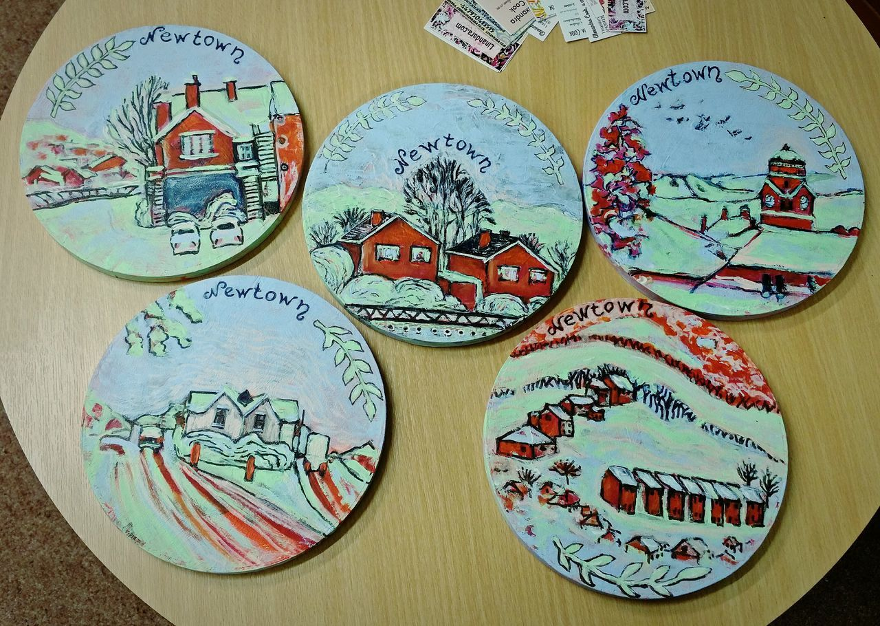 5 Circular Cake Stand Paintings of Newtown Powys , on display at the Newtown Library till the end of the month. £25 each or £80 for all of them. Acrylic and Ink ... Art ArtWork Painting Folk Art  Wales Green Red Blue Winter Snow Landscape My Art My Artwork рисунки пейзаж Cheerful Colorful Stylised Stylized
