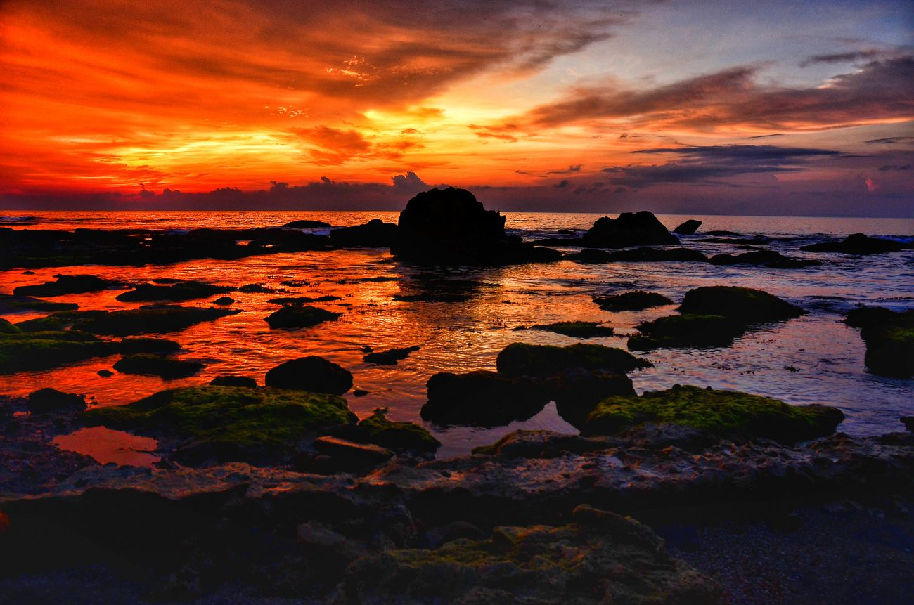 When the sun sink Landscape Nature Sunset Nusantara First Eyeem Photo View Nightfall Nikon D7000 Photography Photooftheday Beach Sea Anyer  Anyerbeach