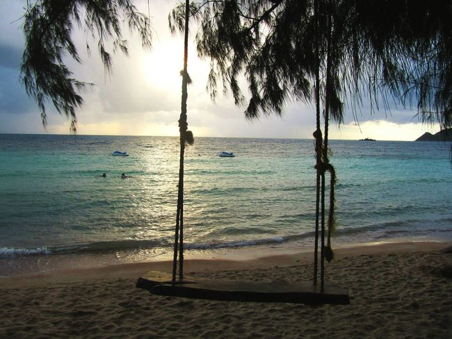 Tree Swing Swing Ocean Relax Island On The Beach Beachphotography Thailand Beautiful Nature Sunset_collection EyeEm Nature Lover Shore Sand Ahhhh!! Shades Of Blue Spotted In Thailand Koh Tao, Thailand Calm Beach Beach Life