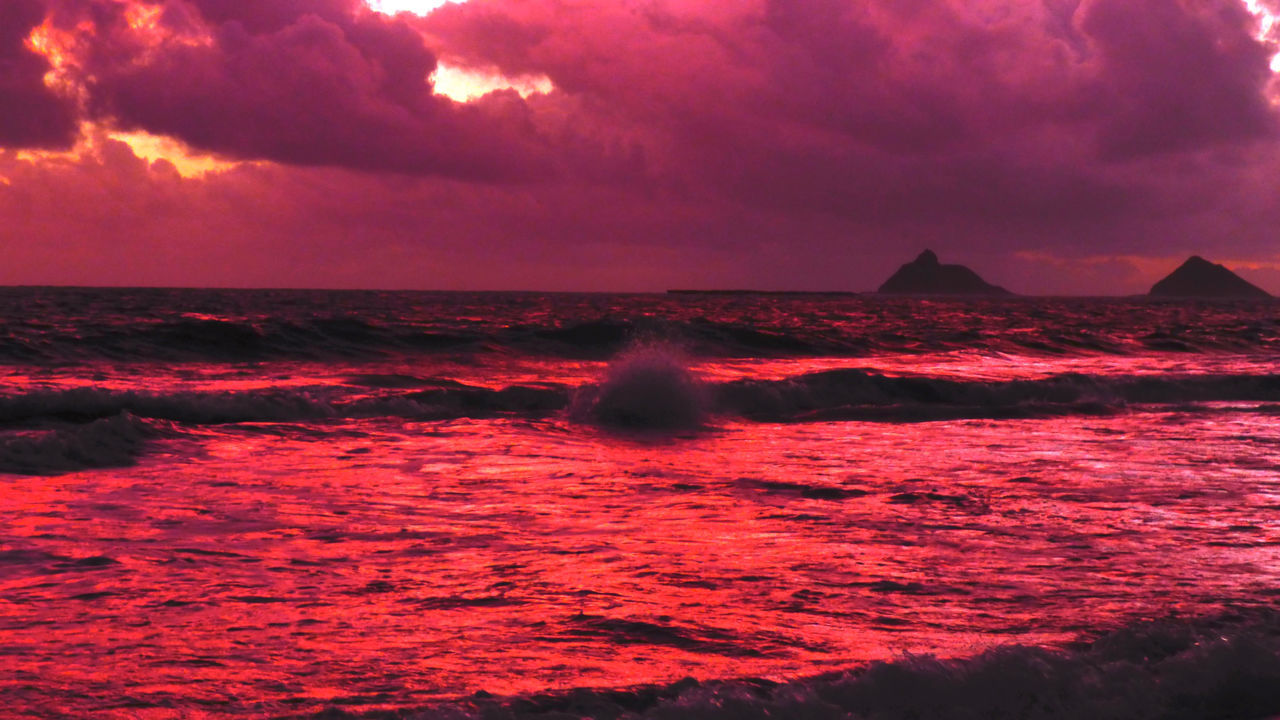Redder than red Atmosphere Atmospheric Mood Beauty In Nature Cloud Cloud - Sky Cloudscape Cloudy Dramatic Sky Geology Kailua  Kalama Light Majestic Outdoors Physical Geography Rabbett Red Scenics Silhouette Sky Sun Tranquil Scene