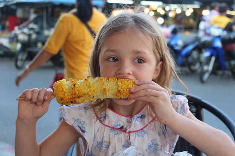 Childhood Close Up Close-up Corn Corncob Eating Corn On The Cob  Enjoy Eating Fashion Focus On Foreground Food Food And Drink Freshness Growing Growth Happiness Person Selective Focus