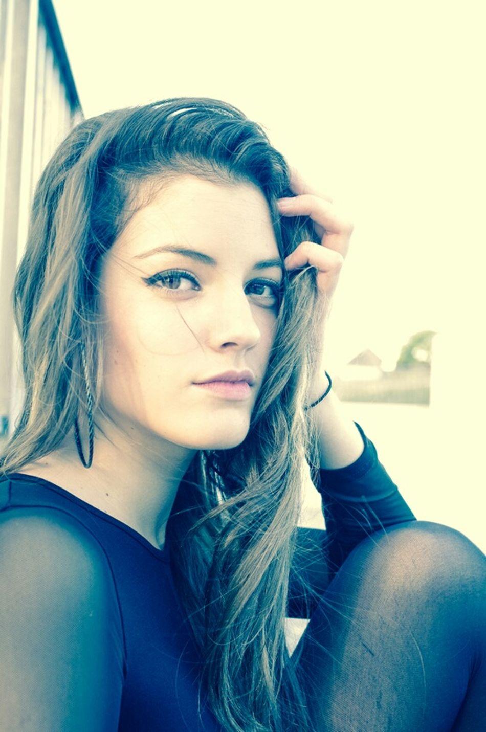 Girl Brunette Straightface Eyes Photoshoot Happiness Sunny Model