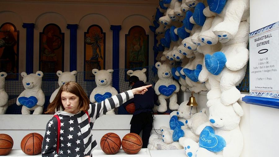 I WANT!!!!!......TO PLAY EXTREM BASKETBALL!!!!......NOW!!!! Happy Bear On A Row Blue Hearts Finger Countenance Expression Playing Games Basketball Pictures Extreme Basketball Amusementpark Amusememt Park Relaxing Enjoying Life Snapshot Snapshots Of Life American Flag American Style