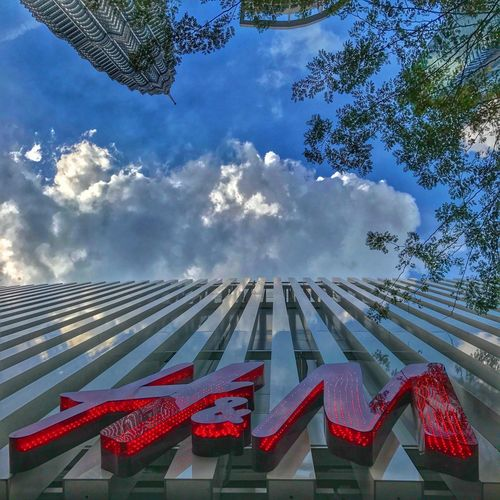 H&M Kuala Lumpur Sky Cloud - Sky Day Low Angle View Red Outdoors No People Built Structure Roof Tree Building Exterior Architecture Avenuekmy H&M Klcc Bluesky