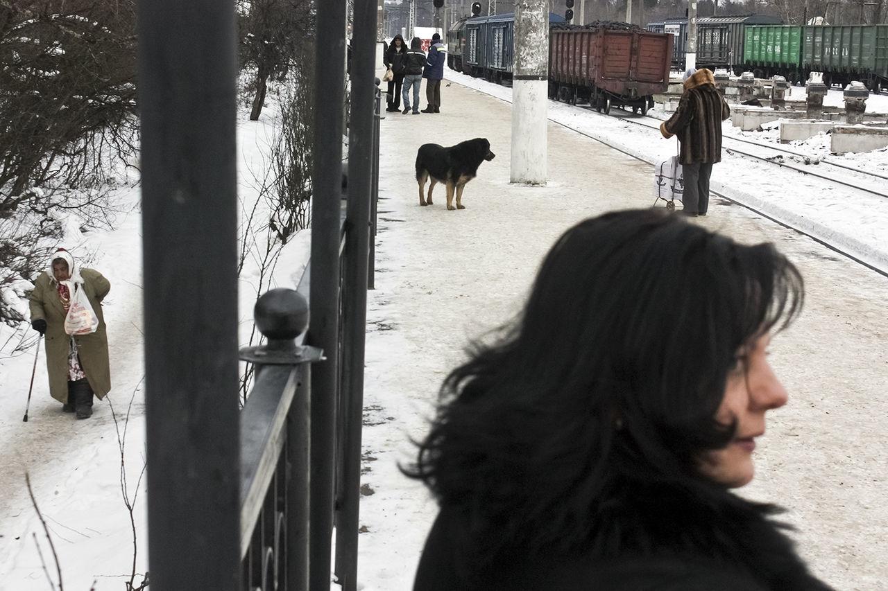 Candid Observecollective Railroad Russia Saint Petersburg Street Streetphotography The Street Photographer - 2017 EyeEm Awards Winter