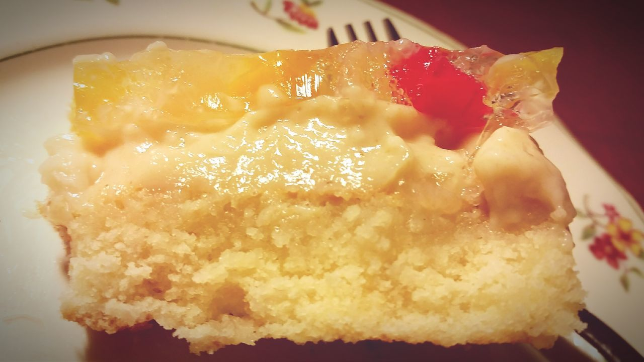 Close-up The Inside Of A Cake Layered Cake The Layers Of A Crema De Fruta Sweet Food Food Indoors  Cake Topped With Fruits, Custard And Gelatin Cake Dessert Homemade Indulgence Freshness Crema De Fruta Freshly Baked