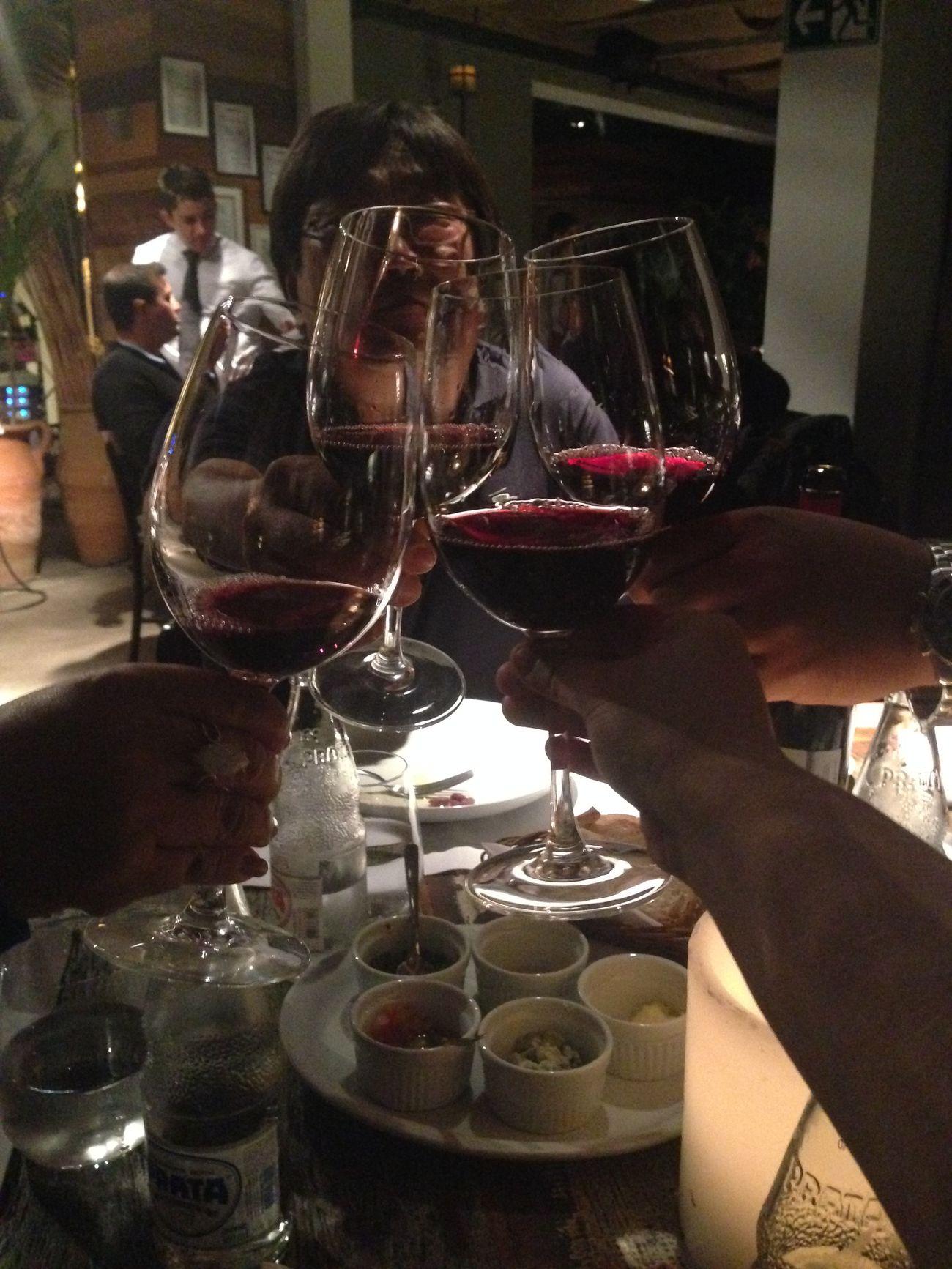 Começando os trabalhos! Dinner Family Wine Round 1 Steakhouse