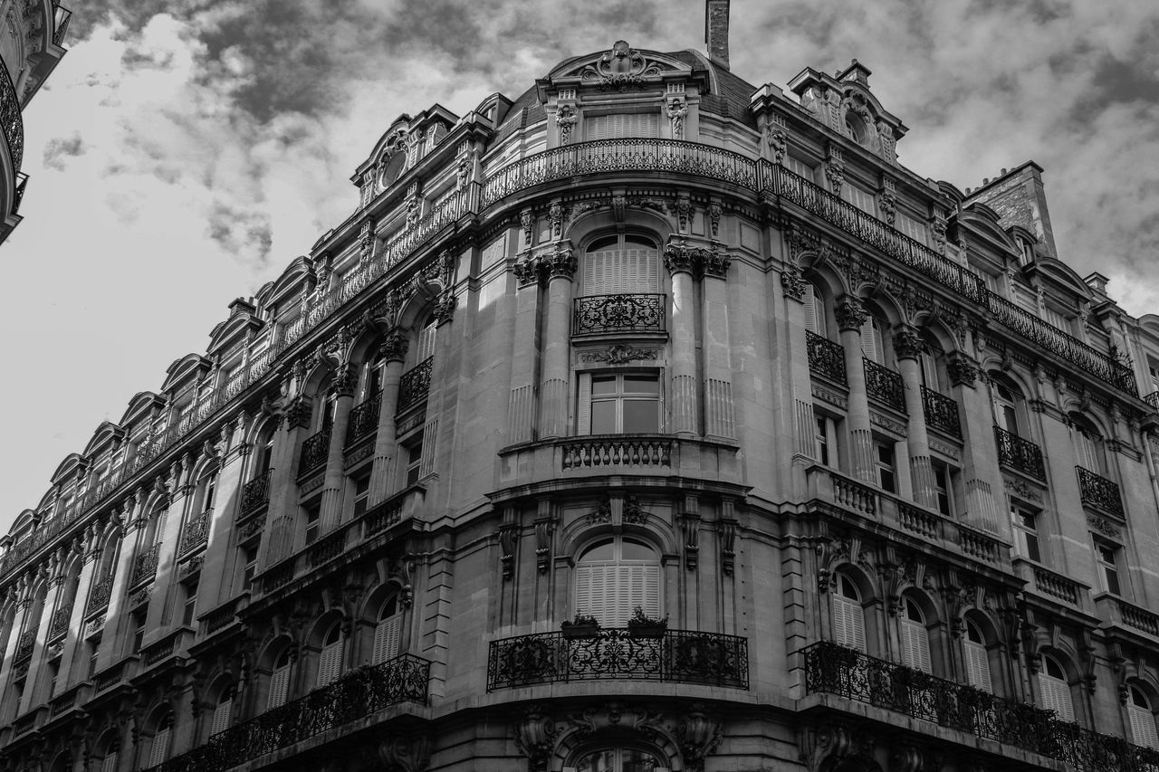Monochrome Photography EyeEm Bnw Building Exterior Architecture Low Angle View Built Structure Sky Outdoors Day Eye4photography  Blackandwhite EyeEm Best Shots