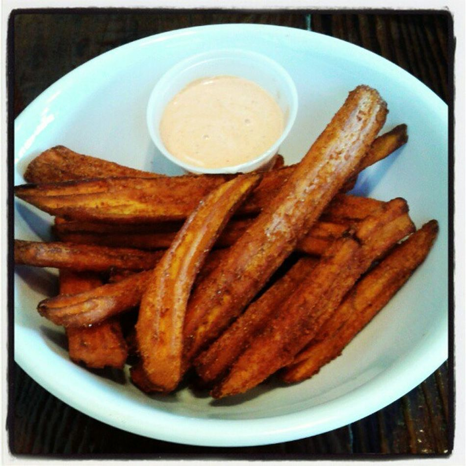 Chile limón sweet potato fries with ranch sriacha sauce! (a la Bushfiregrill )