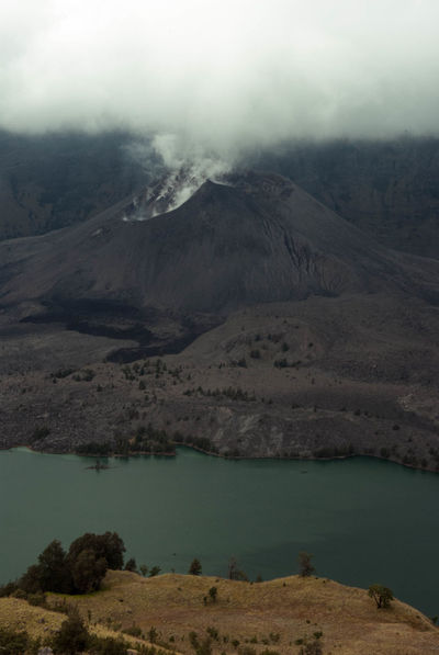 Vulcano Beauty In Nature Cloud - Sky Day Foggy Lake Majestic Mountain Mountain Range Nature No People Outdoors Scenics Sky Tranquil Scene Landscape_photography Hiking Adventures Hikingadventures Outdoor Photography INDONESIA Indonesian Photographers Collection Cloud_collection  Clouds And Sky Indonesia_photography Vulcano Rinjani National Park EyeEmNewHere The Week On EyeEm An Eye For Travel Shades Of Winter