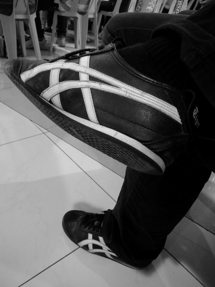 Out Of The Box Shoe One Person Low Section People One Man Only Human Body Part Indoors  Day Adult Adults Only Only Men Close-up Asics OnitsukaTiger Onitsukatigershoes