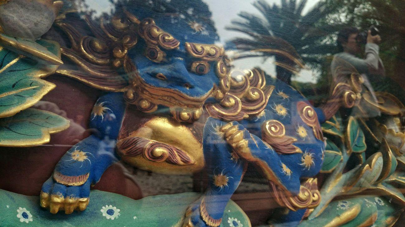 久能山東照宮やロダン館で撮った静岡での写真たんまりあるんでぼちぼちアップする予定です♪ Guardian Lion-dog At Shinto Shrine Guardian Lion Liondog Sculpture Japanese Art Ornamental Art Travel Photography at 久能山東照宮, Shizuoka-shi, Japan.