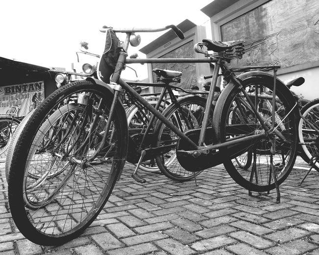 Hello World Showcase April Classic Bike Classic Style Bikers Brotherhood Mc Biketour Bike Week Blackandwhite Photography Black & White Streetphotography_bw Streetphoto_bw Streetphoto Street Art Streetstyle Vintage Old But Awesome Oldpic