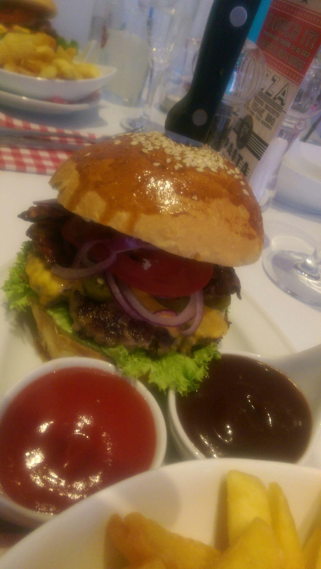 Burgerlicious.