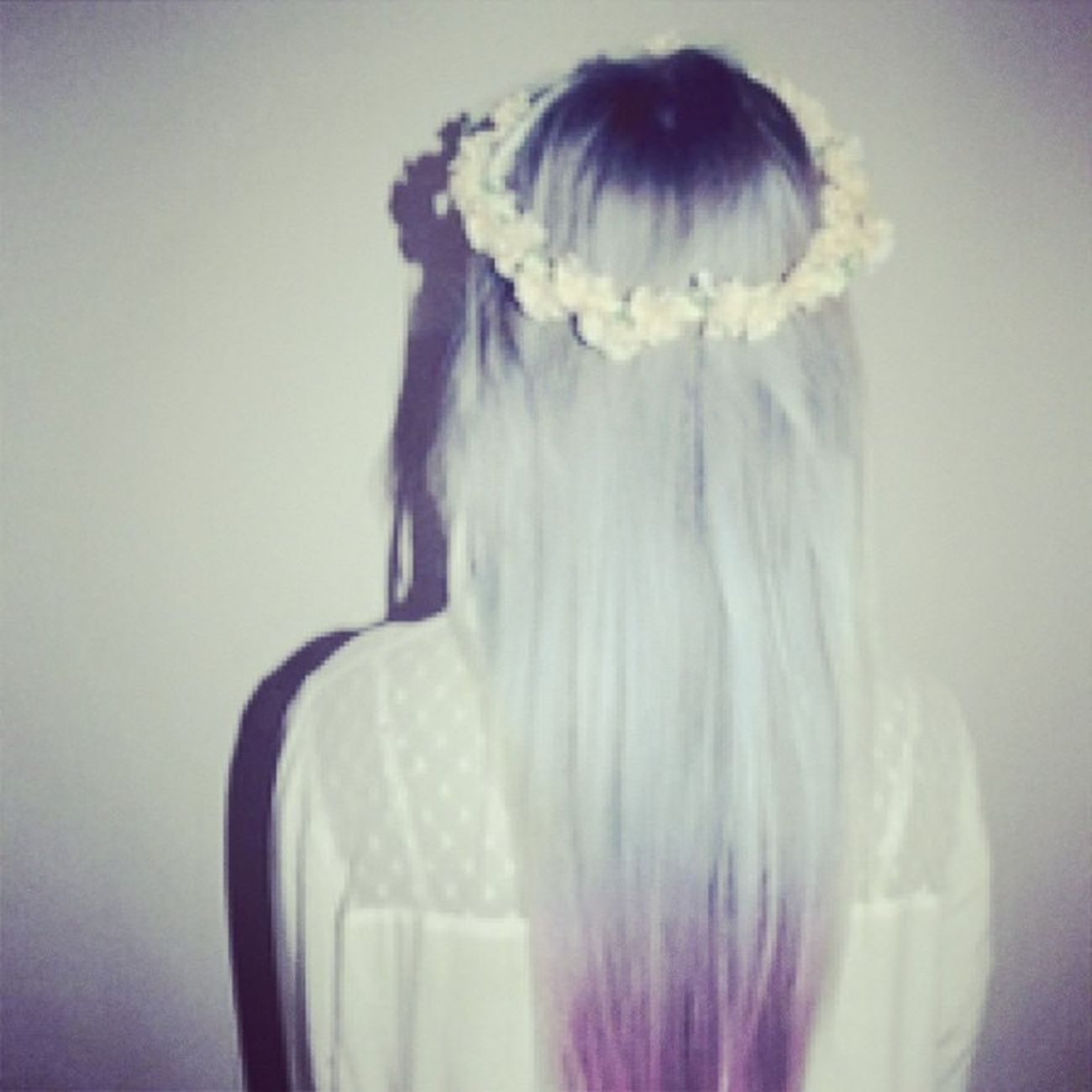 """Cause its a long road to wisdom , but its a short one to being ignored"" Flowers Flowersinyourhair Love Lumineers @thelumineers girl model hair dyedhair scene emo pale palegrunge pastelgrunge grunge outcast follow follow4follow followforfollow"