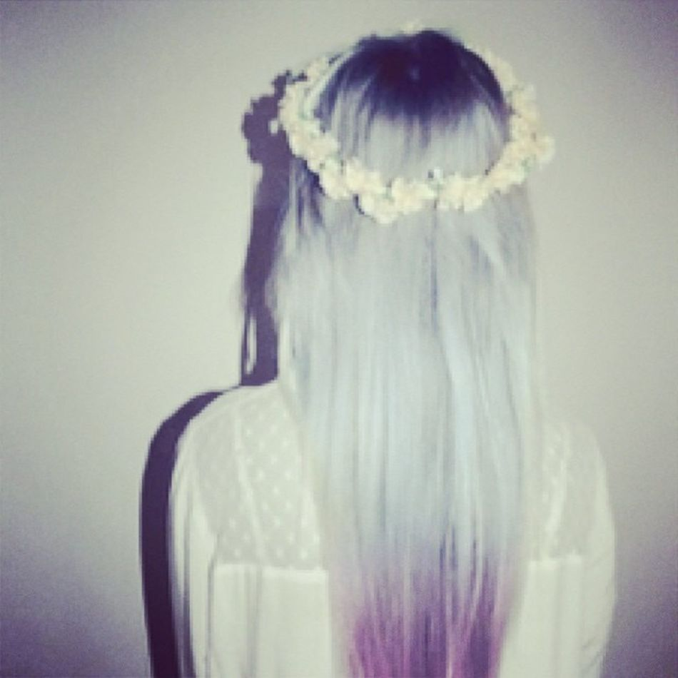 """""""Cause its a long road to wisdom , but its a short one to being ignored"""" Flowers Flowersinyourhair Love Lumineers @thelumineers girl model hair dyedhair scene emo pale palegrunge pastelgrunge grunge outcast follow follow4follow followforfollow"""