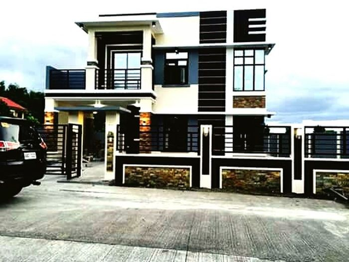 What this house..??
