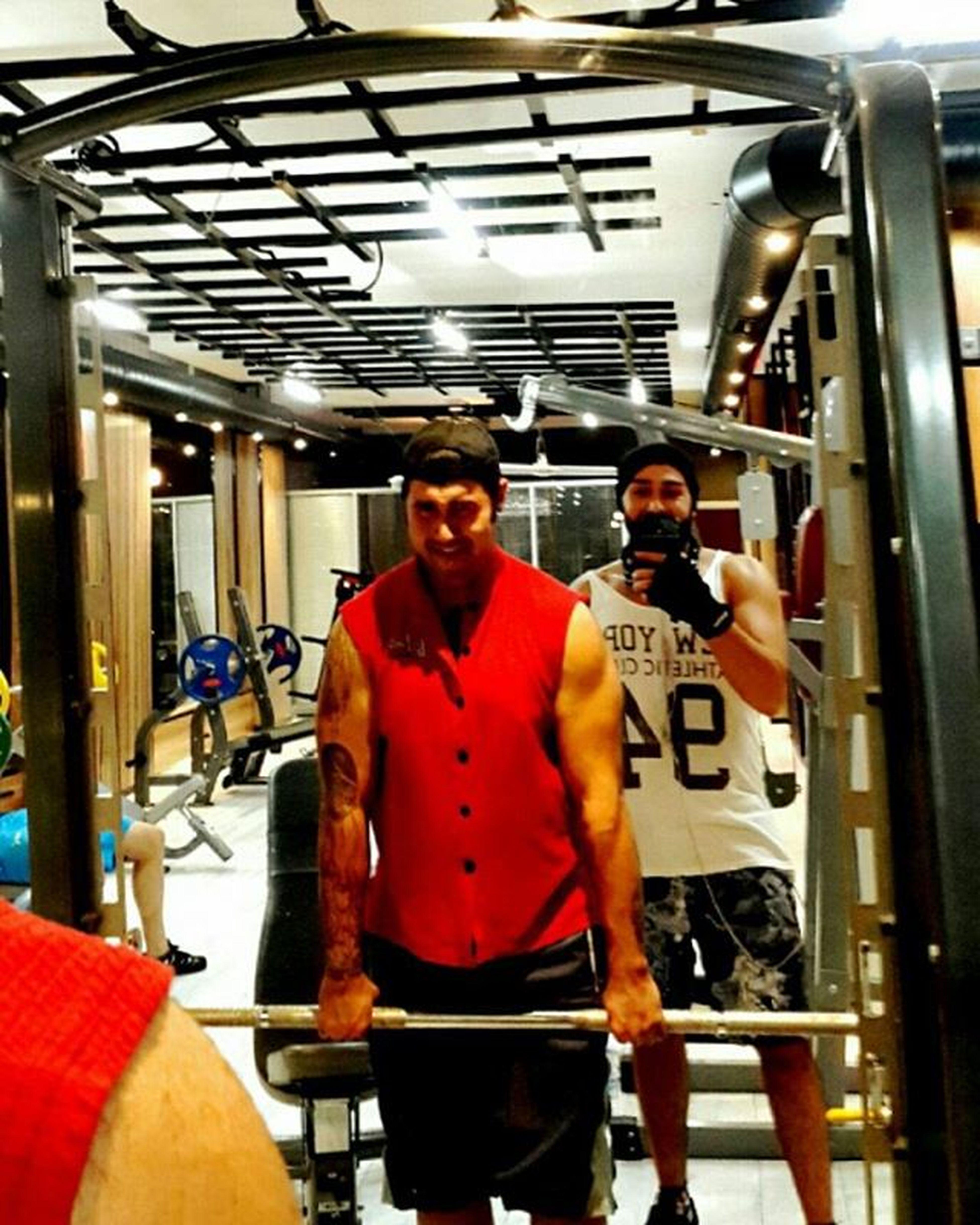 @y.yazars Bodybuilding Barbellshrugged Traps Eskişehir Akademiplusspormerkezi