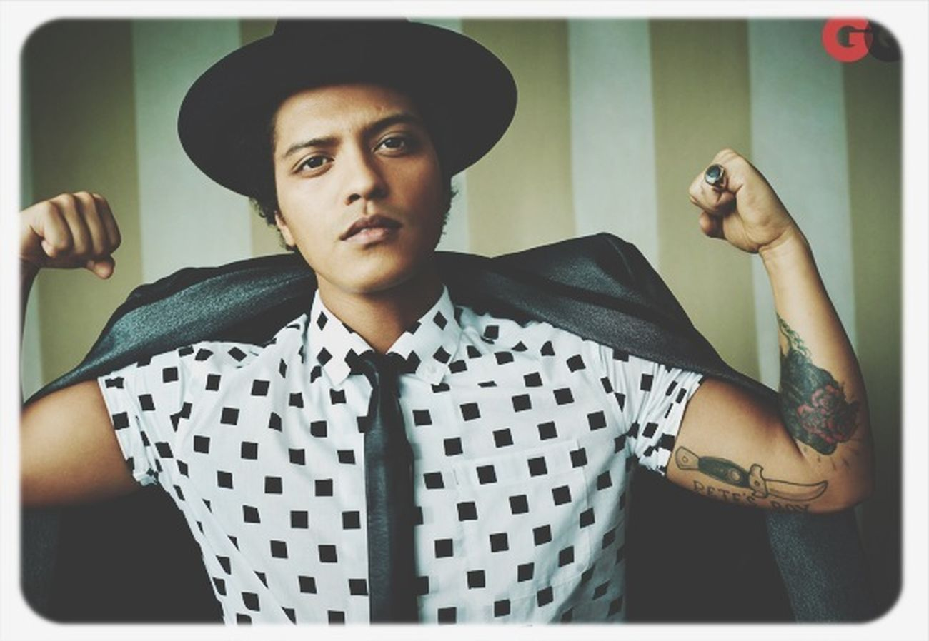 Oh Sexy Boy So Sexy Boy Bruno Mars The Best Singer In The Hole World I LOVE HIM♥ I'm A Hooligan ! Bruno mars ???