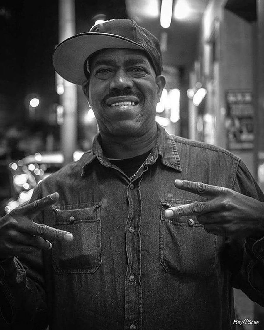 MisterKurtisBlow Master Rap Legend Oldschool Portrait Streetoftheday Instadaily Close Star Instagram Daily Bw_lover Street Moment Picoftheday Beststreets Bestpic Blackandwhite Outdoor Bw Urban KurtisBlow Rnb