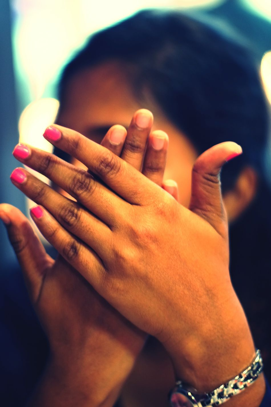 A Candid Portrait of Hand... Shy Shygirl Shyness Love Perfect Shot Sony A6500 Close-up Photooftheday Unique Perspectives Love Photography Photo People Wonderful Creative Photography Illusionist Beautiful