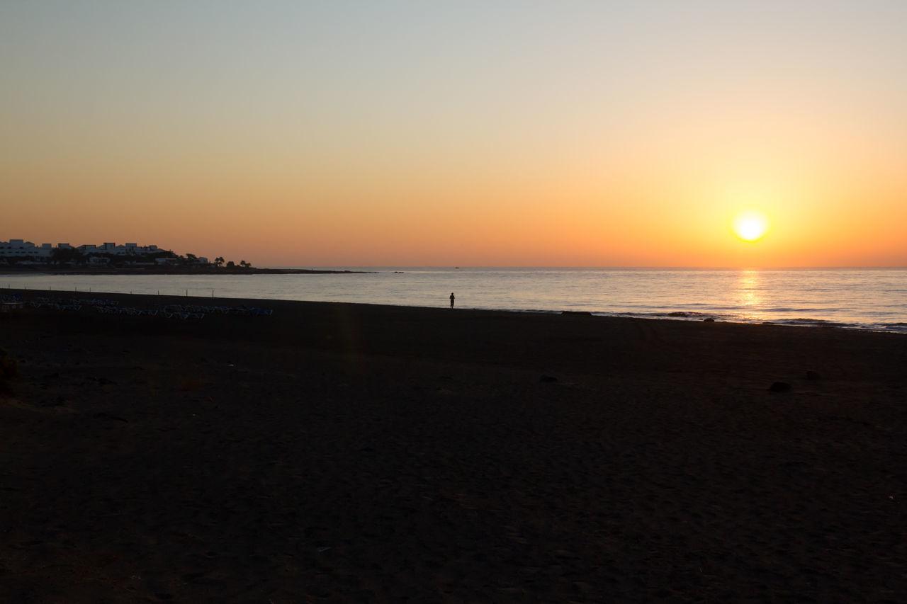 Sun Worshipper Beach Early Morning Horizon Over Water Lanzarote Meditation Meditation Place Puerto Del Carmen Scenics Sea Sun Sun Worshipper Sunrise Sunset Tranquil Scene Tranquility Water Welcoming Sunshine