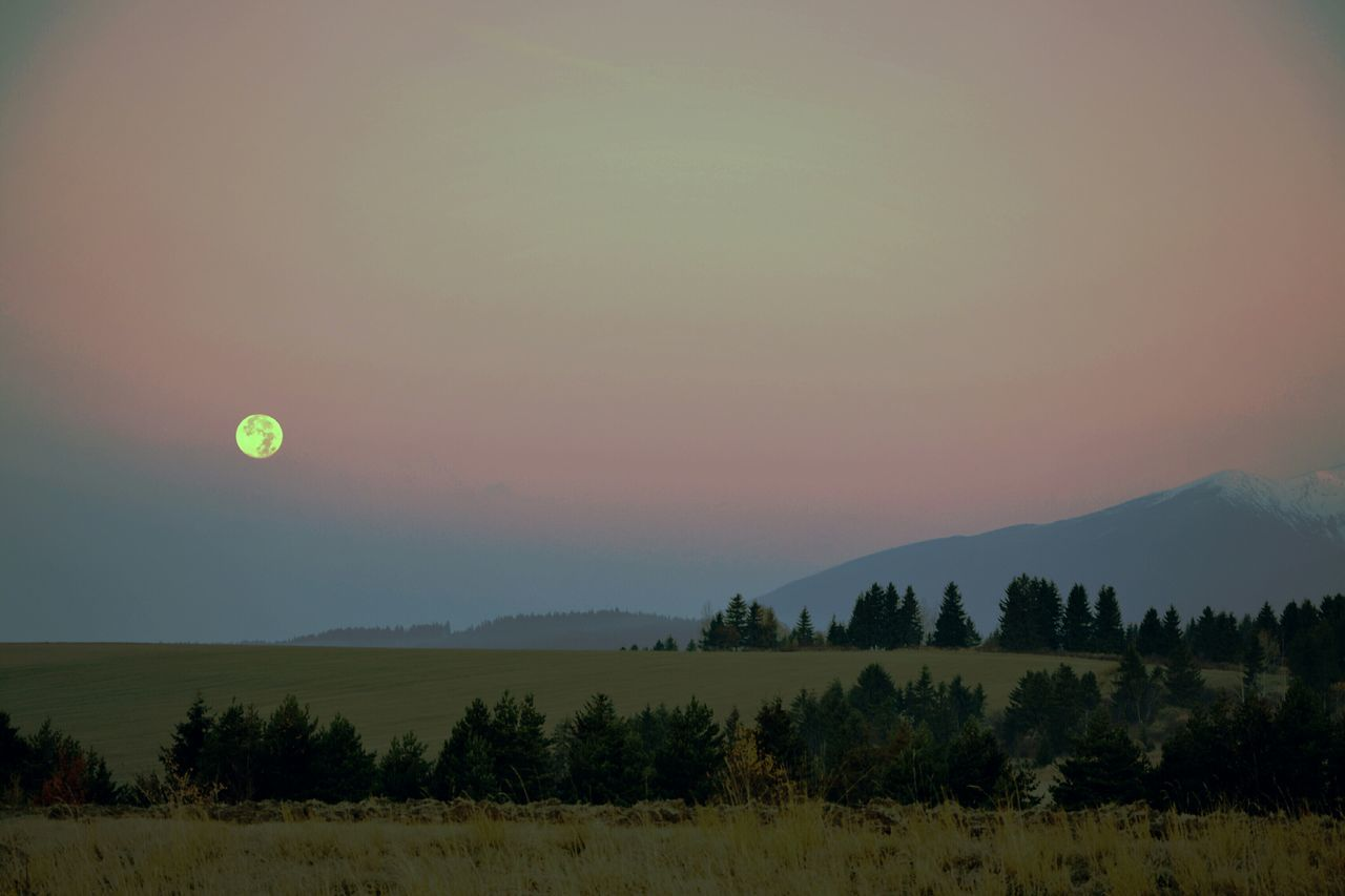Full Moon Moon Moonset Mountains Morning High Tatras Tatry EyeEm Nature Lover Enjoying Life Check This Out