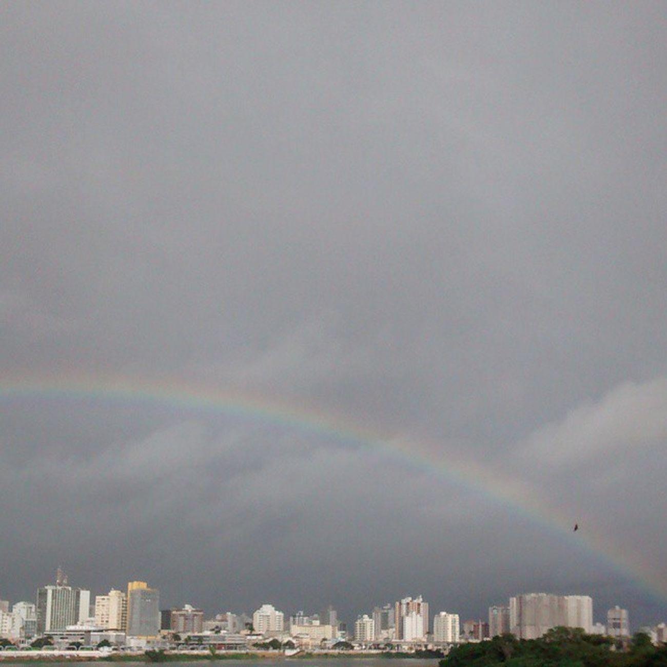 Um lindo arco-íris pra colorir nosso dia ? Bomdia Photography Nature Fotografandooceu instaphoto instalike instadobem36
