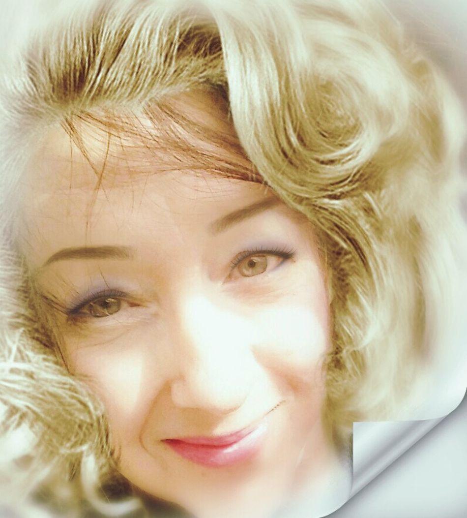 Me as Marilyn...lol Blond Hair Marilyn Monroe <3 Artistic Photo Model - Object Self Portrait Portrait Of A Woman Woman Of EyeEm Self Portrait Smiling One Woman Only