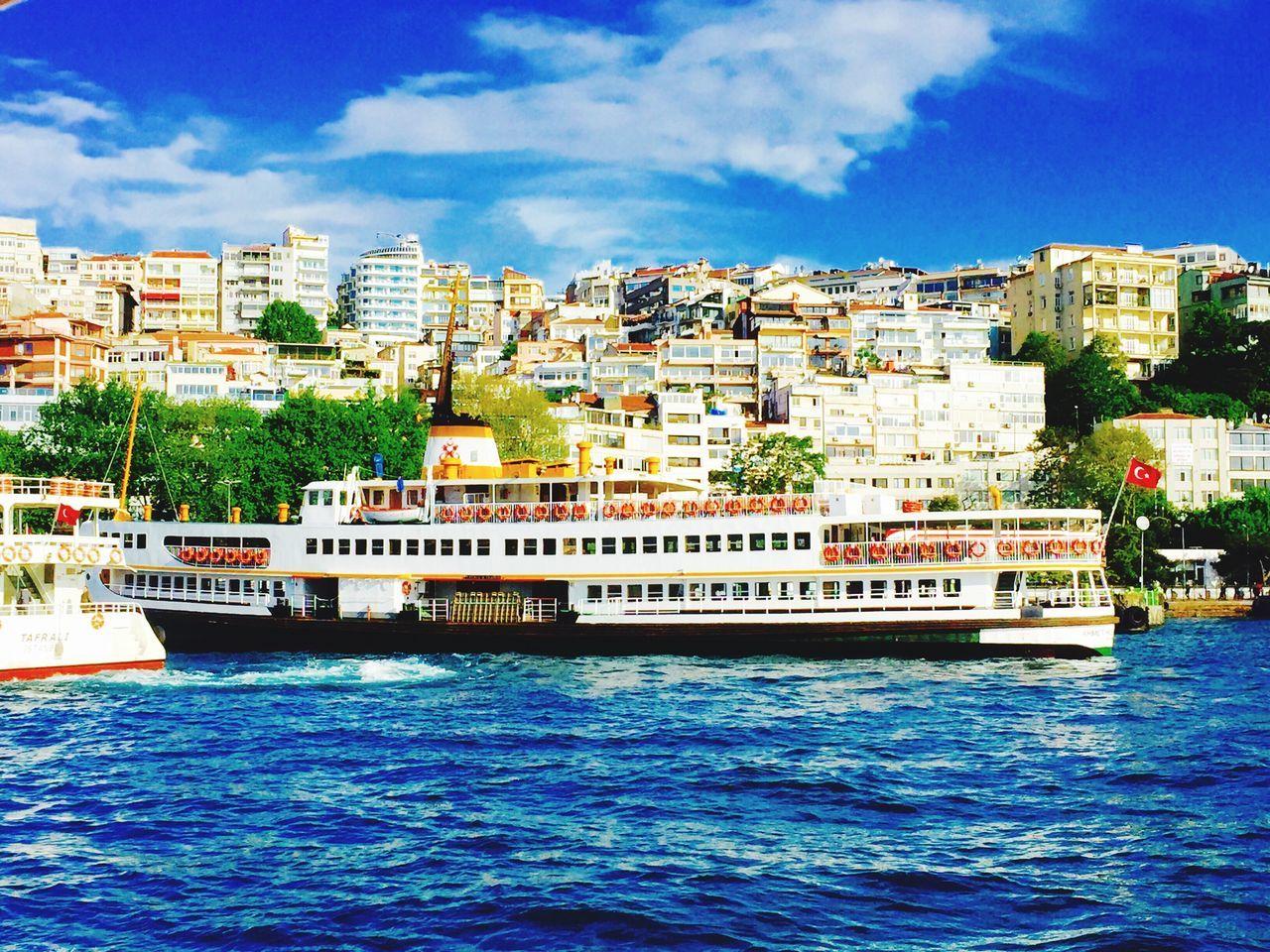 Ferryboat şehirhatlarıvapuru Sehirhatlari Vapur Kabataşvapuriskelesi Sea Mobile Photography Mobilephotography IPhoneography
