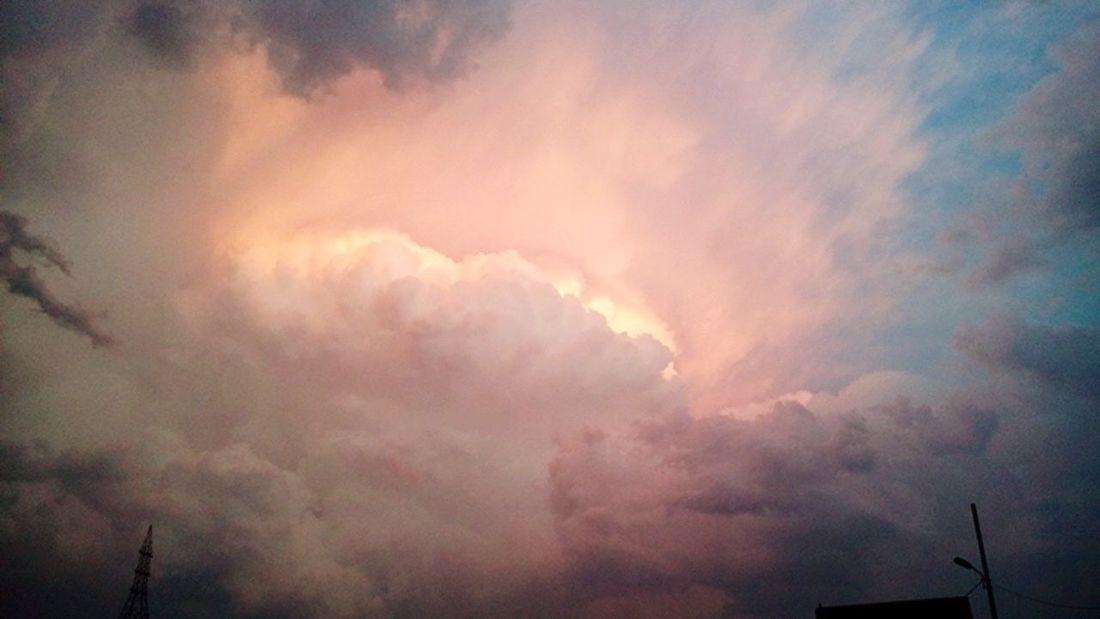 Sky... Full of life