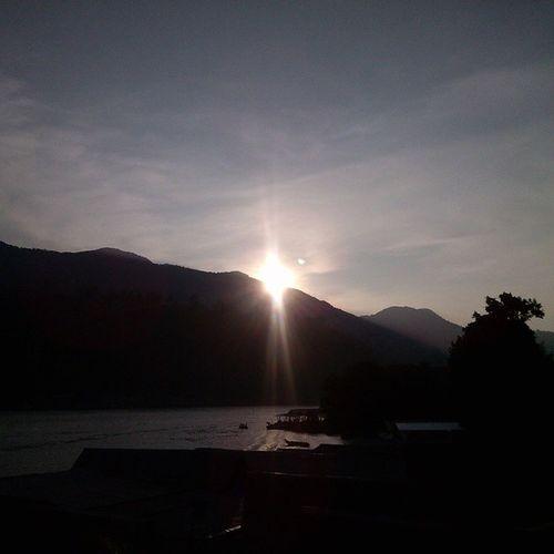 Pagi selalu sama, tapi rasa sunrise selalu berbeda.. Selamat Pagi. Iphonesiaoftheday Iotd Iphonesiamorninggreeting Instaphoto instasunda instanusantaramedan sunrise hills kamerahpgw kofipon