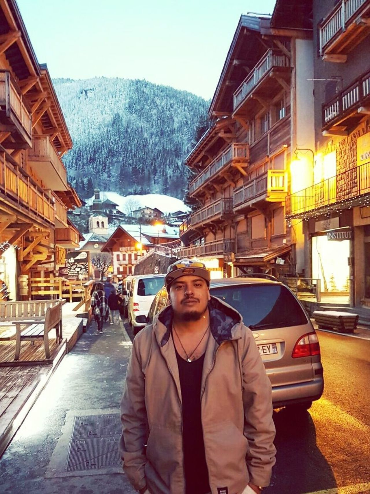 Morzine Rhonealpes Hautesavoie Suiza Cold Winter ❄⛄ New Year Is Coming Geneva Geneve Ginebra Posing For The Camera Beautiful Switzerland Snow Outdoors One Person Architecture