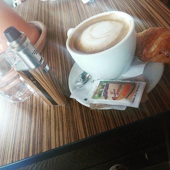 😄 Lifestyle Vapeeverydamnday Coffe Vapingisthefuture .