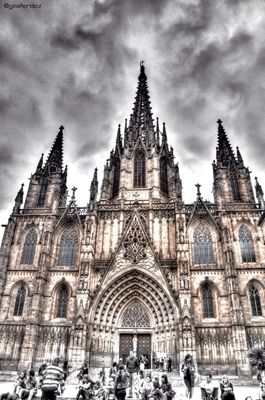 HDR at Barcelona by gilaferdez