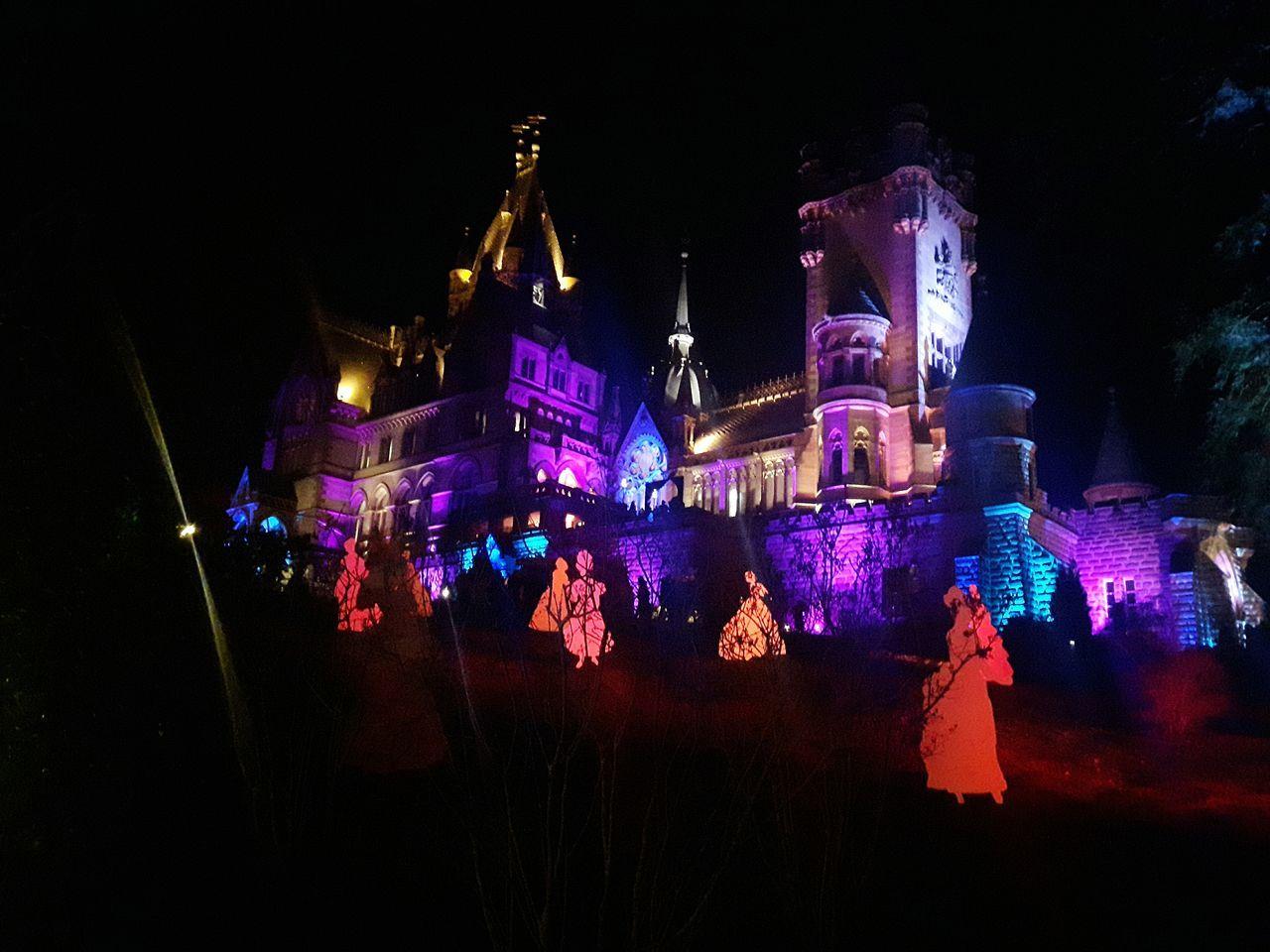 Schloss Night Performance Lichtspiele Weihnachtsmarkt Spazieren Und Fotografieren Outdoors Photograpghy  Schloss Drachenburg Hello World
