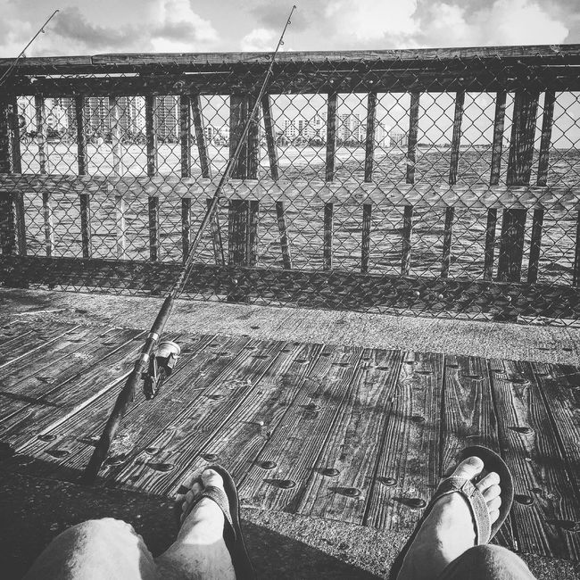 Relaxing Blackandwhite Photography Blackandwhite Being A Beach Bum Life Is A Beach