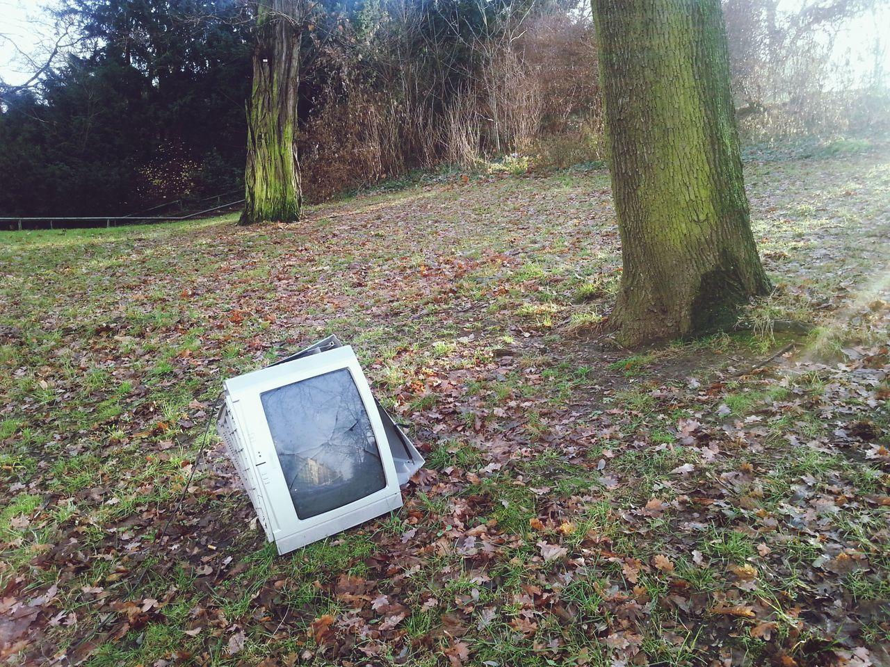 Beautiful stock photos of television, Berlin, Broken, Damaged, Day