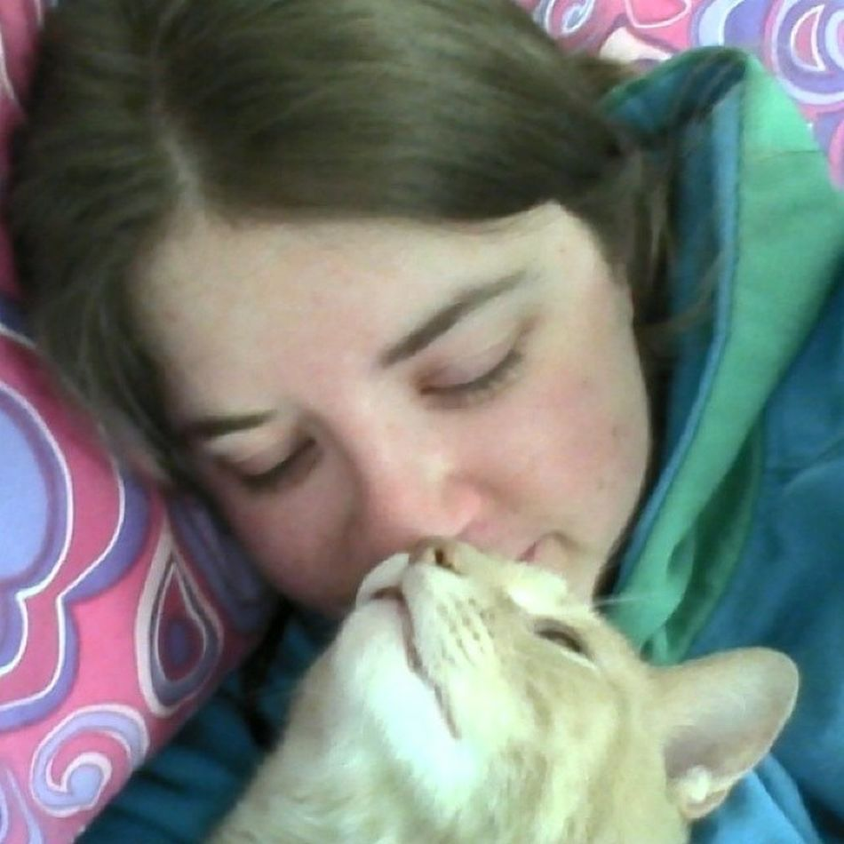 Aw thank you for the kisses mama. I love you too. Meow Catlady Kittykisses Snugglebug sickpanties