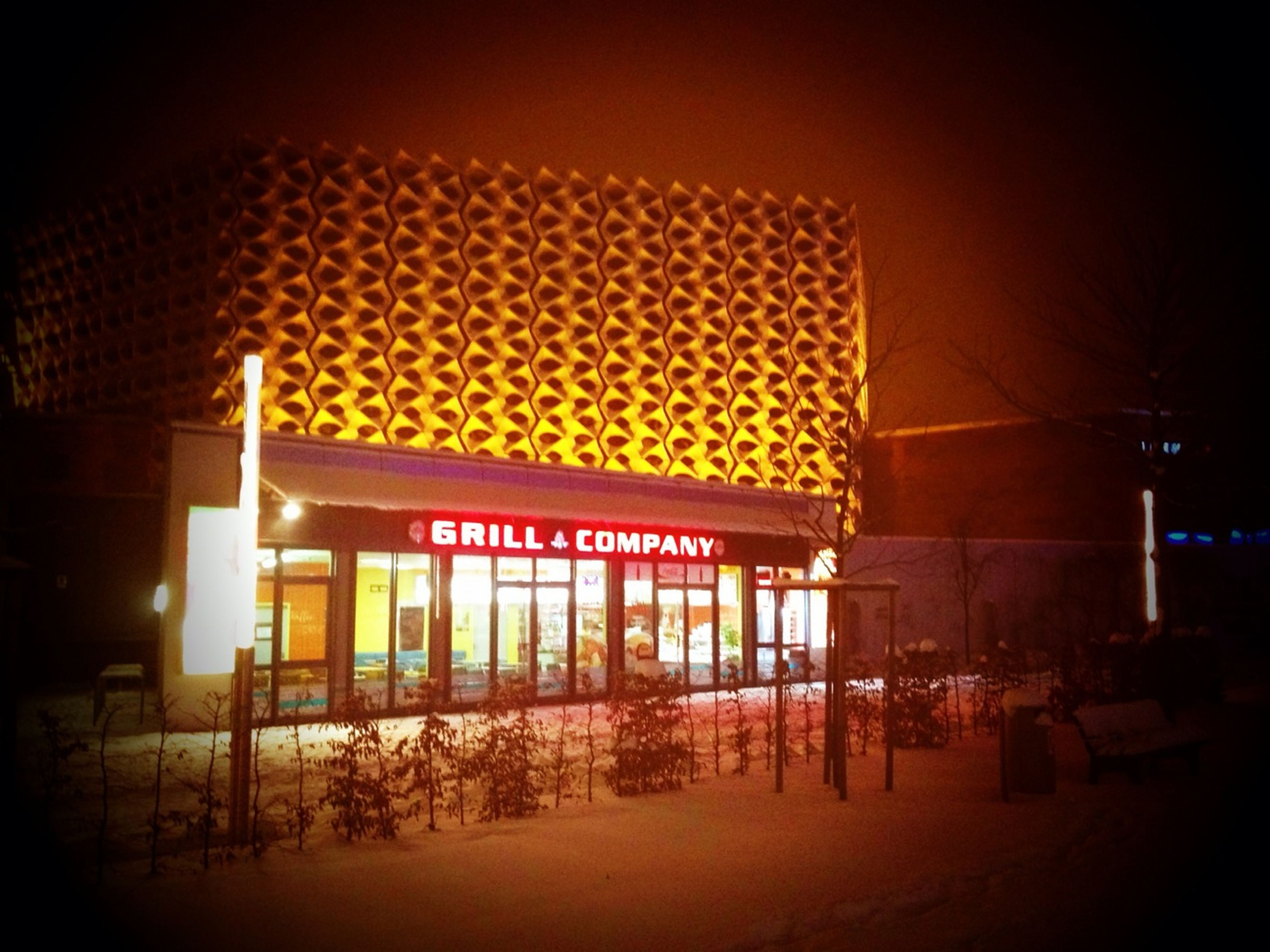 illuminated, architecture, built structure, building exterior, night, text, chair, western script, lighting equipment, outdoors, absence, store, no people, restaurant, non-western script, city, empty, incidental people, retail, hanging