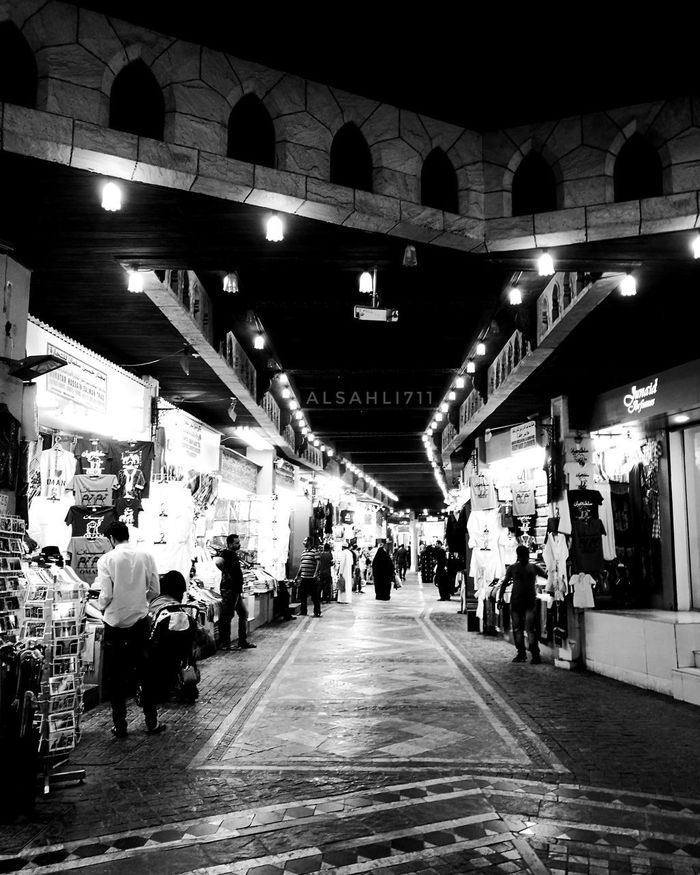 City People Night Indoors  Nice Luxury Cool Building Exterior Blackandwhite Photography Asian  Black&white Black & White Blackandwhite Black And White USA Travel Life Day Good Old Mall Desert Outdoors Amazing Japan China