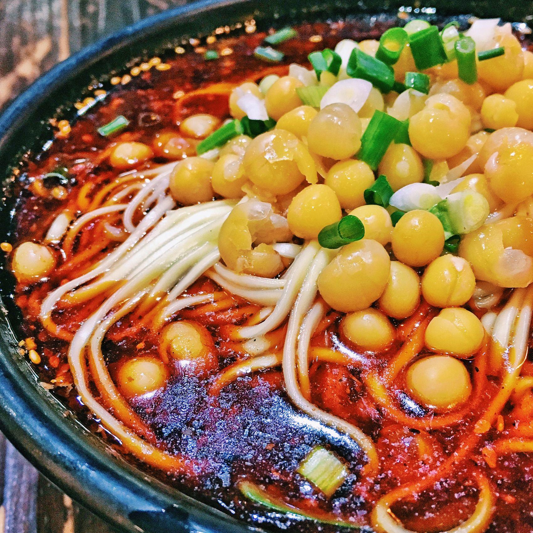 豌豆杂酱面