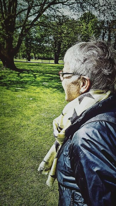 My mamá and i out for a walk in Kings garden (Copenhagen) First Eyeem Photo