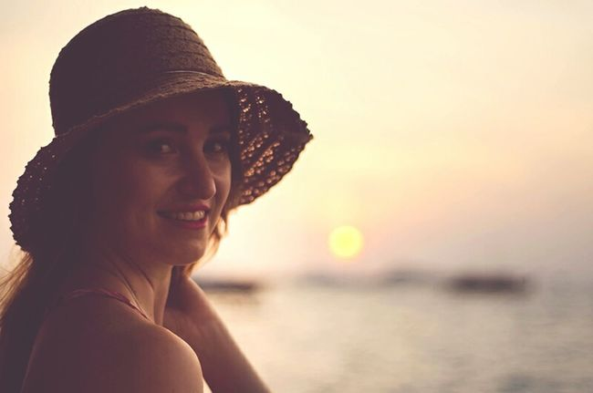 Portrait Of A Woman Real People Portrait Portrait Of A Friend Portraits Maldives Indianocean Like From My Point Of View Portraiture Island Living Photooftheday Nikonphotography Nikon Traveler Tropical Holiday Sunset Freelance Life