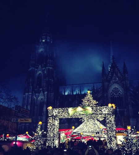 Christmas market in cologe😍 cologne Christmas Night Tradition Christmas Market Foggy Cathedral Cologne Christmas Lights Sky Christmas Tree