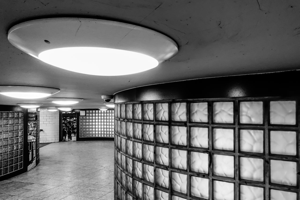 Architecture Black & White Black And White Day Electric Light Fußgängertunnel Glass Glass - Material High Angle View Indoors  Lamp No People Pedestrian Tunnel Prison Round Tunnel