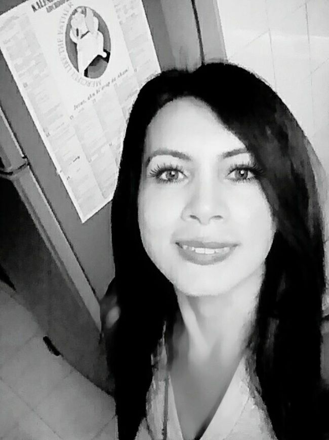 Look at my face.....it a saturday morning face! Saturday Bigsmile Bigeyesbigsmile Morning Motivateyourself Race For Life Blackandwhitephoto Smiling Cheesy Smile Expression Eye Hello Front Camera Active Lifestyle  Activity Indoor Photoshoot Young Women That's Me! That's Me And My Life  BEMINESAUUREADY<3  Bemine Followmefollowyou Follow Me I'll Follow Back Baby Face Like4like