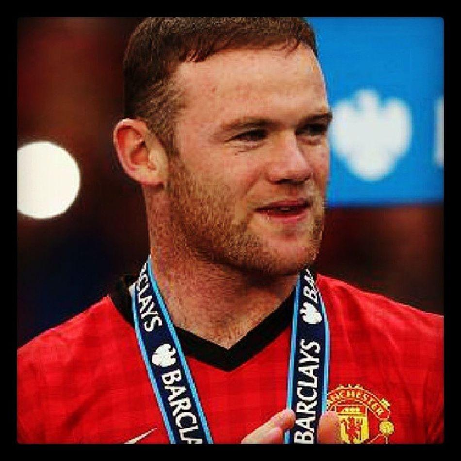 I hope he will stay at Man Utd. GGMU Waynerooney WR10 Nike manutd champ20ns fergietime manchesterunited