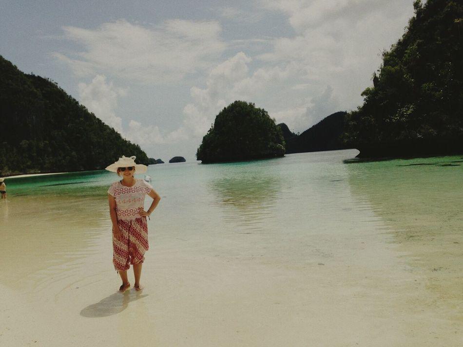 Essence Of Summer Rajaampat Beachlovers Beach Day Enjoying Life