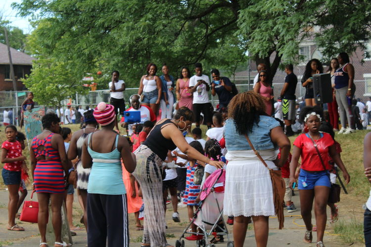 People Together Bennett Park 4th Of July 2016 July Showcase 43Golden Moments Enjoying Life African American People People Of EyeEm. Young Men Young Women Parents Children People Watching Men Enjoying LifeAfrican American Women Women Women Of EyeEm Womensfashion Essence Of Summer July Showcse HolidayAfrican American Children Celebration Fathers